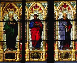 Vitral com os evangelistas dos sinópticos